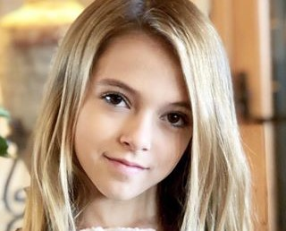 Coco Quinnage, Birthday, Height, Net Worth, Family, Salary