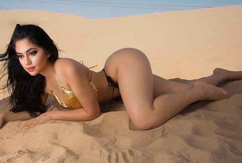 Jailyne Ojeda Ochoa age, Birthday, Height, Net Worth, Family, Salary