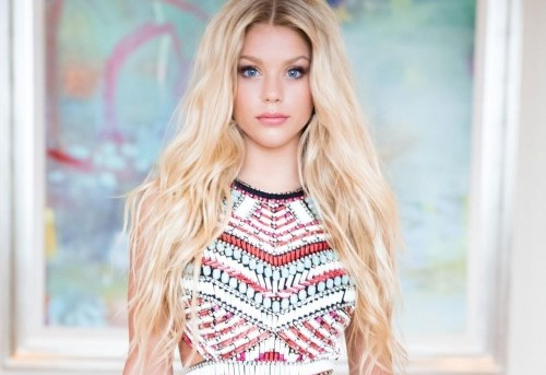 Kaylyn Slevin age, Birthday, Height, Net Worth, Family, Salary