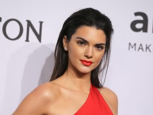 Kendall Jenner age, Birthday, Height, Net Worth, Family, Salary