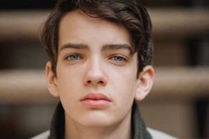 Kodi Smit Mcphee age, Birthday, Height, Net Worth, Family, Salary