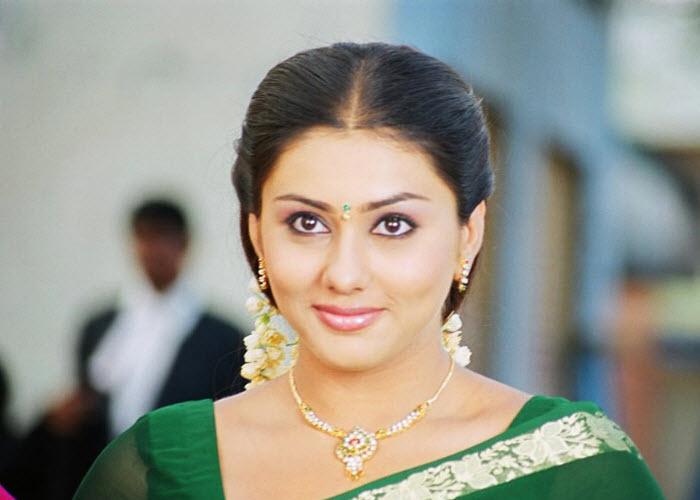 Namithaage, Birthday, Height, Net Worth, Wife, Family, Salary, Weight