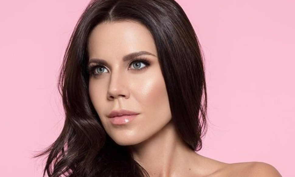 Tati Westbrook age, Birthday, Height, Net Worth, Family, Salary