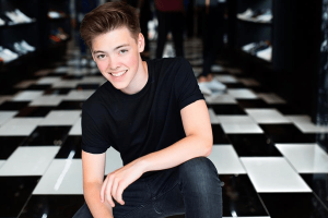 Zach Herron age, Birthday, Height, Net Worth, Family, Salary