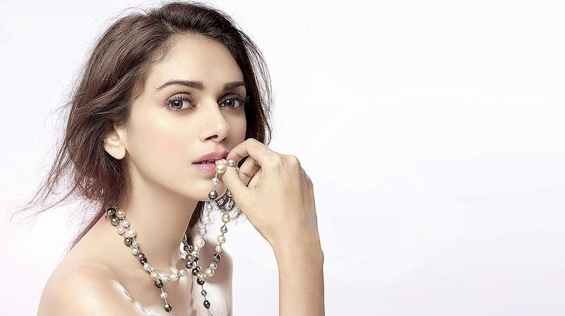 Aditi Rao Hydari age, Birthday, Height, Net Worth, Family, Salary