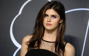 Alexandra Daddario age, Birthday, Height, Net Worth, Family, Salary