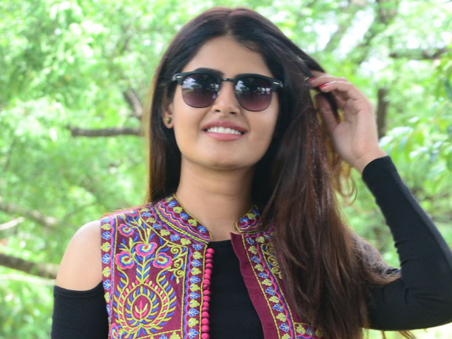 Amisha Narwal Age,birthday, Height, Net Worth, Family, Salary