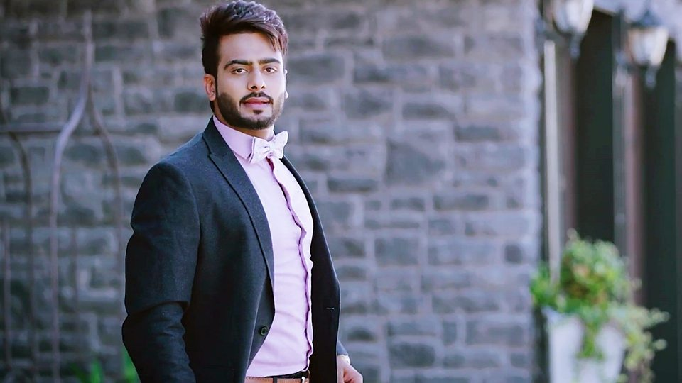 Mankirt Aulakh age, Birthday, Height, Net Worth, Family, Salary