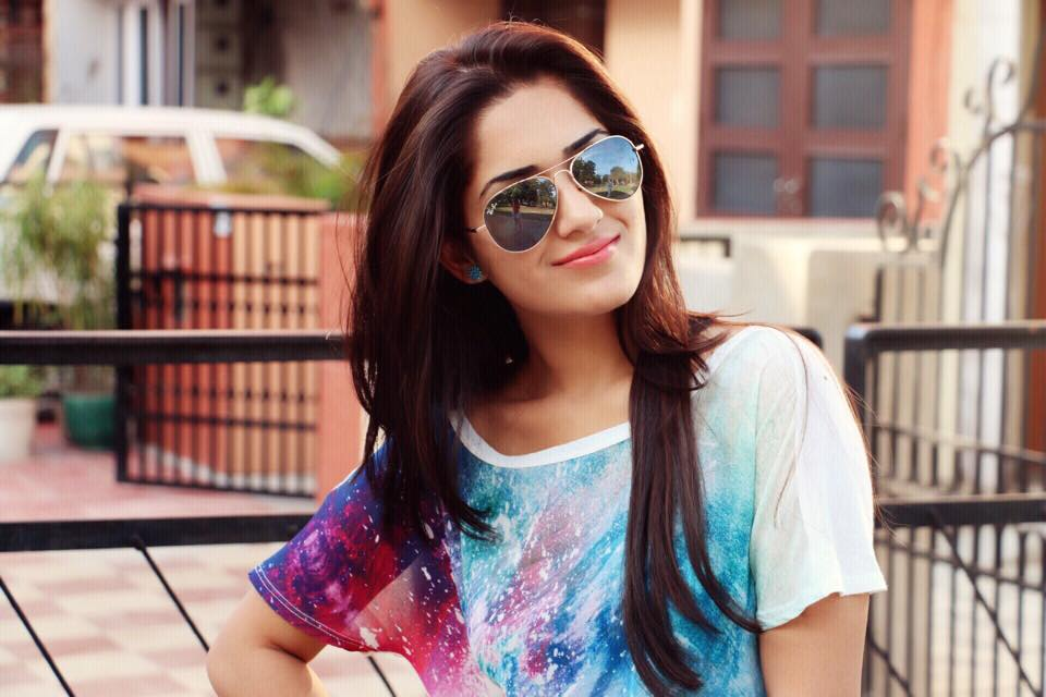 Ruhani Sharmaage, Birthday, Height, Net Worth, Family, Salary