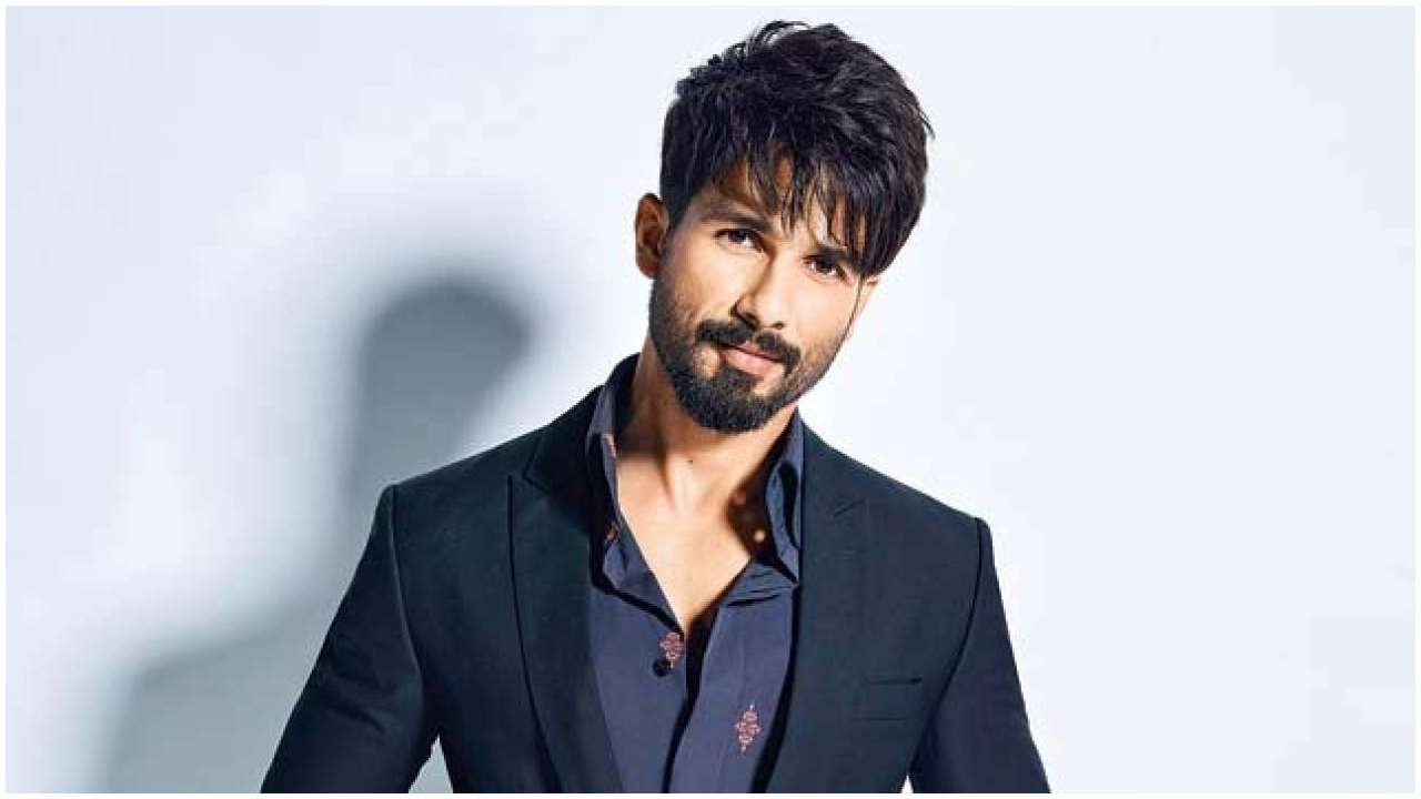 Shahid Kapoor age, Birthday, Height, Net Worth, Family, Salary