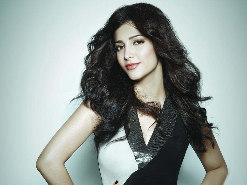 Shruti Haasan Age, Birthday, Height, Net Worth, Family, Salary