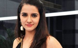 Shruti Seth age, Birthday, Height, Net Worth, Family, Salary