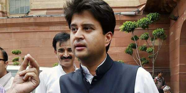 Jyotiraditya Scindia Age, Birthday, Height, Net Worth, Family, Salary